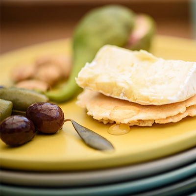 Cheese and Olives to Pair with Wine - Image